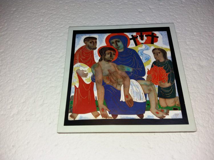 Eine der erneuerten Kreuzwegstationen in der Kirche St. Martin in Leipzig-Grünau